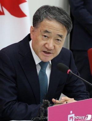 """박능후 """"코로나 가장 큰 원인은, 중국서 들어온 한국인"""""""