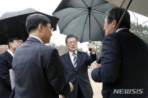 마스크·신천지·총선·중국인…文대통령 5대이슈 답변(종합)