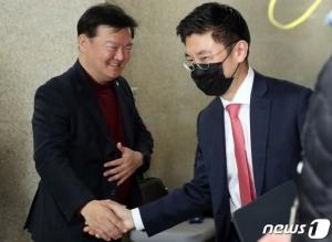 민경욱, 컷오프→재심의→경선승리→무효요청→재공천