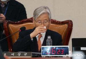 여상규·박맹우·백승주 미래한국당 이적…원내교섭단체 지위 확보
