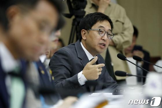 조국·공수처·퀴어…정치 '모른' 정치인, 금태섭의 '소신'