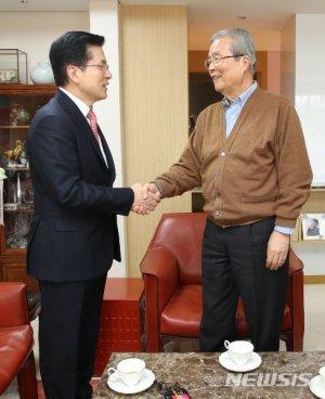 """[속보]김종인 """"총선 후 임시회 열어 예산재구성 하자"""""""