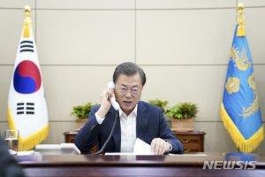 """[속보]文, 베트남 총리에 """"중소기업인 입국도 관심을"""""""