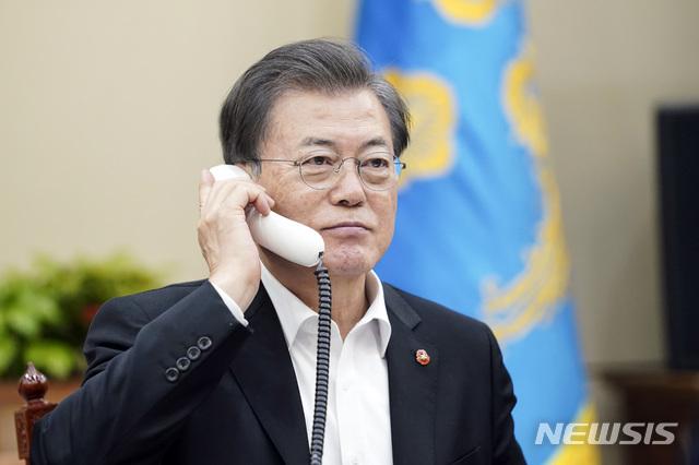 """한국인 막더니 이제와서? 베트남, 文에 전화 """"협력하자"""""""