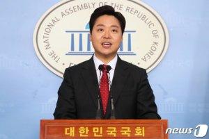 """'청년비대위원' 정원석 """"통합당은 죽었다, '재기'아닌 '부활'해야"""""""