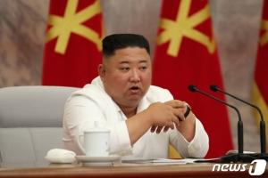 김정은, 당 정치국 확대회의서 방역 논의…남북관계 언급 없어