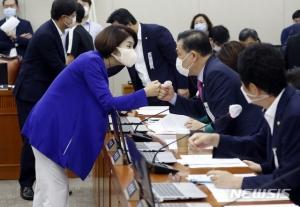 '일하는 국회' 복지위는 다르네…코로나 '감염병예방법' 합의 처리