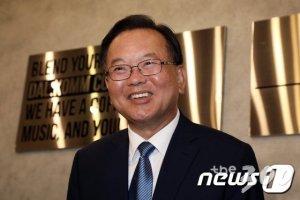 광주로 간 '대구의 아들' 김부겸…이틀 뒤 이낙연에 '도전장'