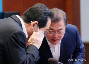 """[속보]文 """"노사정 최종합의 못해 아쉬워..잠정합의는 성과"""""""