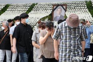 판 커진 내년 4월 보선, 대권 앞두고 '고차방정식' 불가피