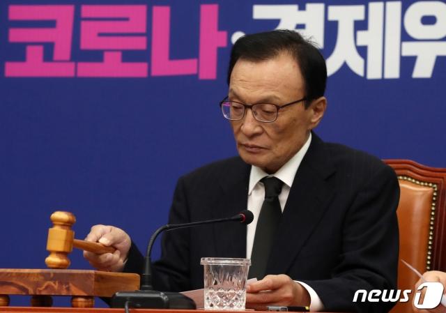 오거돈부터 박원순까지…'총선 압승' 후 잇딴 '악재' 만난 민주당