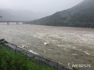 北 폭우로 '특급경보'…임진강 상류댐 수문 일부 개방한 듯
