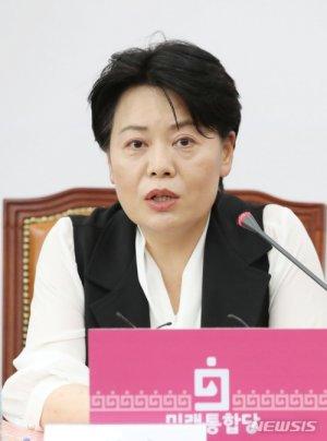 """'나는 임차인'으로 뜬 윤희숙…이번엔 교육정책 """"언니는 수포자"""""""