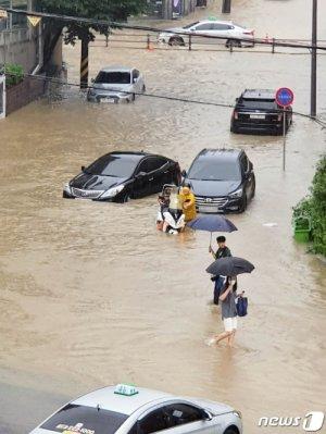 코로나·어대낙·부동산·홍수…전대 '흥행부진'에 비상 걸린 與
