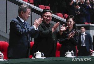 """文대통령 """"9·19 합의 반드시 이행…남북 시계 다시 돌아가길"""""""