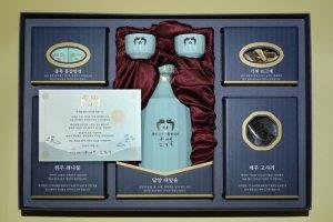 올해 文대통령 추석선물 '담양술·원주건취나물' 등 전국 특산물