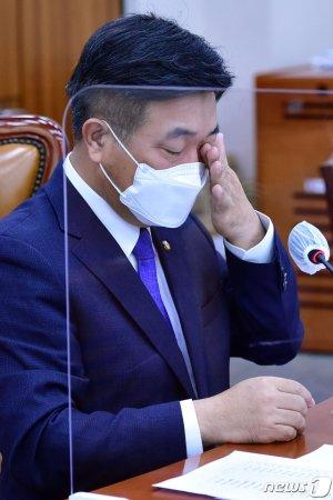 """윤호중 """"26일까지 野 추천 안 하면 '공수처법 개정안' 처리"""""""