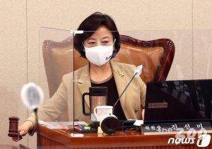"""""""주택정책 패러다임 바꾼다""""…與 미래주거추진단 다음 달 출범"""