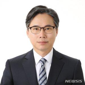"""靑 나간 다주택 비서관들, 차관으로 컴백…""""매각의사 밝혀"""""""