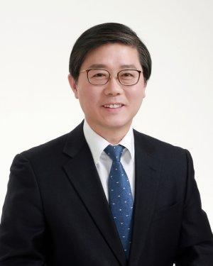 [속보]文대통령, 김현미 교체…국토장관에 '김수현 측근' 변창흠