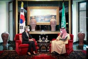 강경화, 사우디·이라크·바레인 장관 연쇄회담…경제협력·중동정세 논의