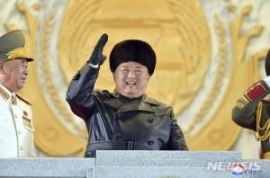 김정은 'SLBM+전술핵' 카드, 바이든 향한 허풍? 본심은…