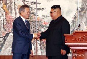 """文대통령 """"김정은 비핵화 의지있어…언제든 만날 용의"""""""