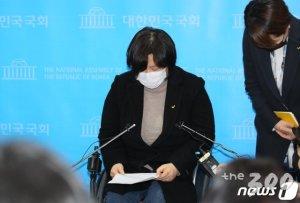 """'김종철 폭탄' 어디로…""""4월 선거 왜 하는지 다시 떠올려"""""""