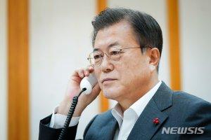 """시진핑, 文대통령에 """"비핵화 공동이익 부합…한·중·일 정상회의 지지"""""""