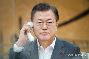 바이든 통화 앞둔 文대통령에게 전화 건 시진핑…왜?