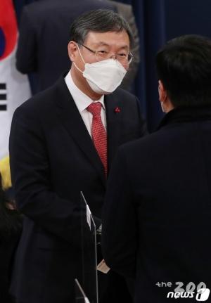 돌아온 신현수…檢 수사권 폐지 당청 간 긴장감 고조