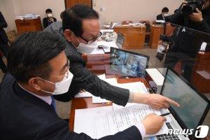 '자살예방법' 법사위 통과 무산…코로나 거짓정보 처벌조항도 삭제