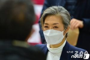양이원영의 소신, 민주당 사활건 가덕도법에 기권