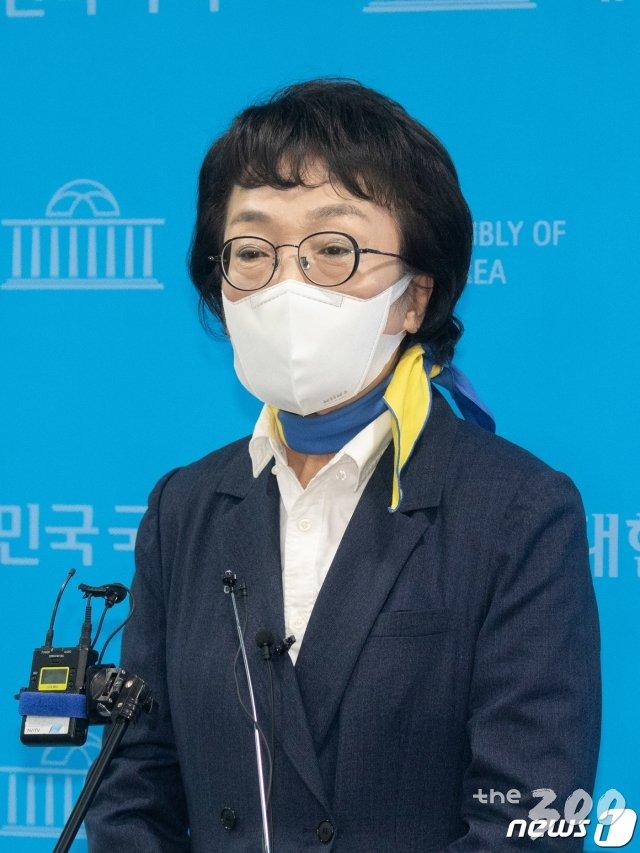 '사퇴' 카드 김진애…복잡해진 與 단일화