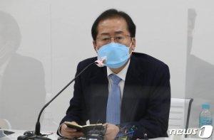 """홍준표 """"나는 한국보수 적장자…복당 반대 어이없는 일"""""""