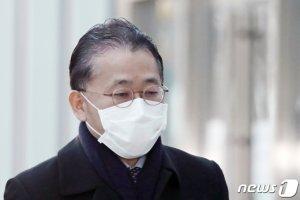 기준 잃은 공소장 국회제출 거부…'김학의 불법출금 사건'도 막혔다