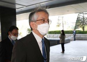 외교부, 日 아이보시 대사 첫 초치…'후쿠시마 오염수' 항의