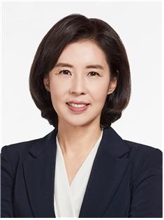 민주당 '입'이 문대통령 '입' 됐다…박경미 靑대변인은 누구?