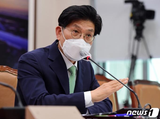 """與, 노형욱 보고서 단독처리 일단 보류…""""지도부와 연계 안돼"""""""