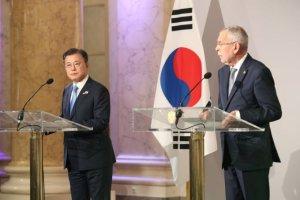 """""""韓, 코로나통제 세계 챔피언""""…文대통령이 밝힌 비법은?"""