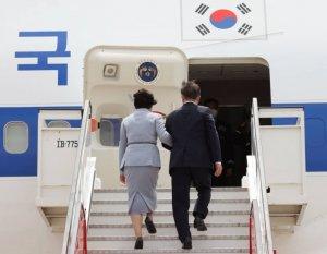 """文대통령, G7 등 유럽순방 마치고 서울 도착 """"드디어 끝"""""""