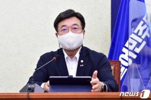 """윤호중 """"예결위 등 7개 위원장직 돌려주겠다""""…법사위 불가 고수"""