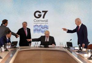 바이든 등 G7정상들의 손가락이 文대통령을 향했다...왜?