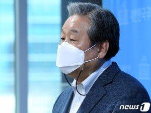 X파일 논란에 윤석열 '일축'-김무성 '손사래'-이준석 '손짓'