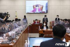[속보]대체공휴일법, 행안위 전체회의 통과… 광복절부터 적용