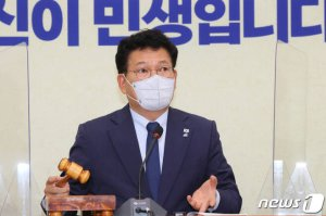 """與, '경선연기' 갈등 속 총공세...""""차떼기당...왜 존재하는가"""""""