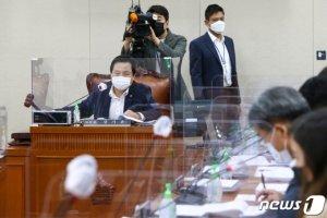 복지소위, '수술실 CCTV법' 일단 보류…위치·의무화 이견