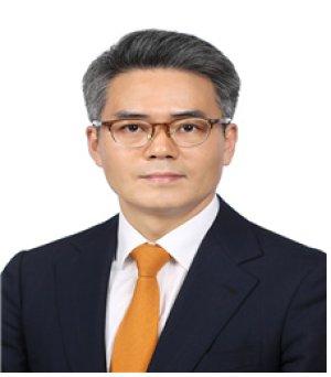 김기표 靑반부패비서관 39억, 고주희 靑디지털소통 13억 신고