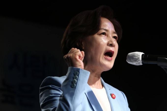 尹 '등판' 洪 '복당' 秋 '출마'…긴장하는 대권 잠룡들