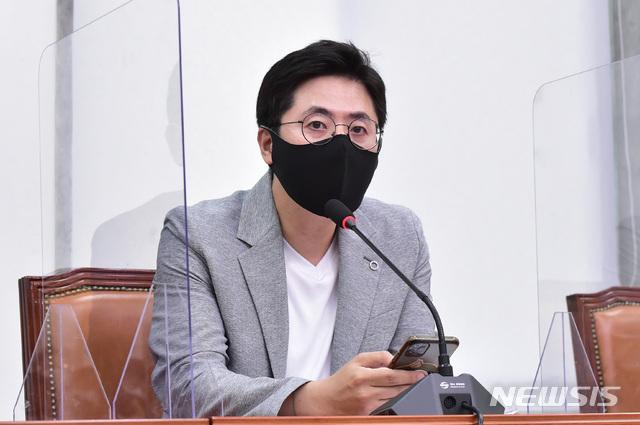 """이동학, 박성민에 """"청년 박탈감 풀자...사력 다해달라"""""""
